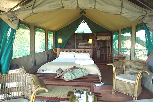 Luxury tented accomodation at Macatoo Camp, Okavango Delta