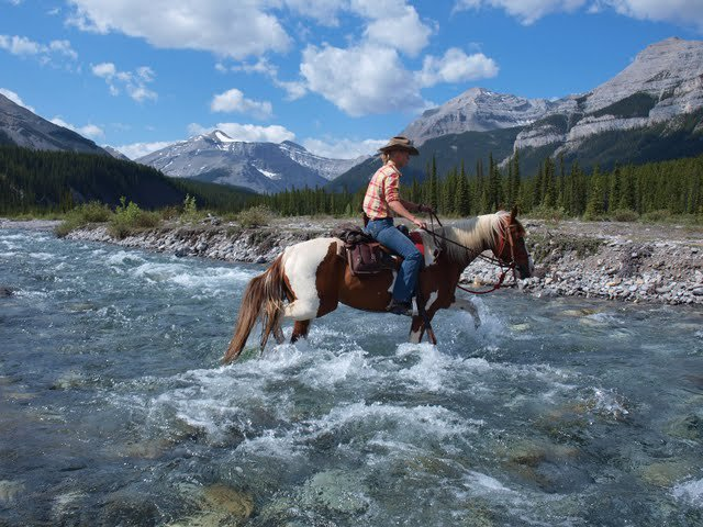 Wilderness Pack Trips, Canada | Horse Riding Holidays