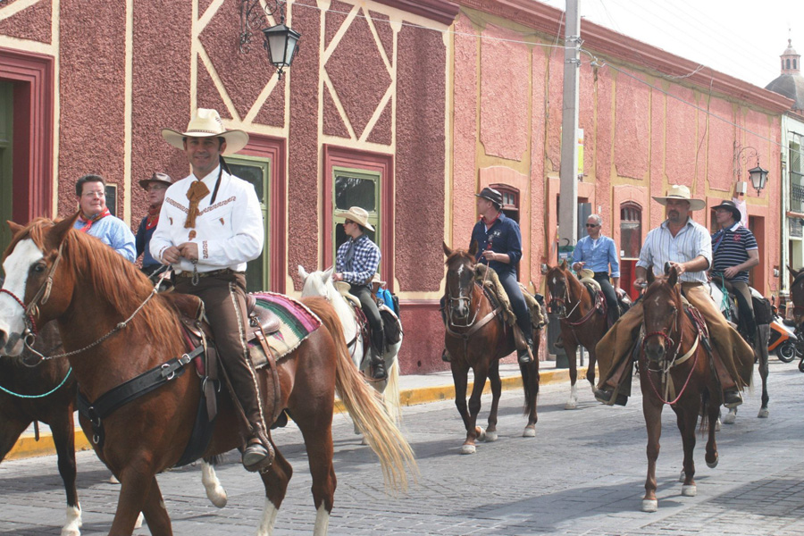 horse riding holiday Mexico silver mines