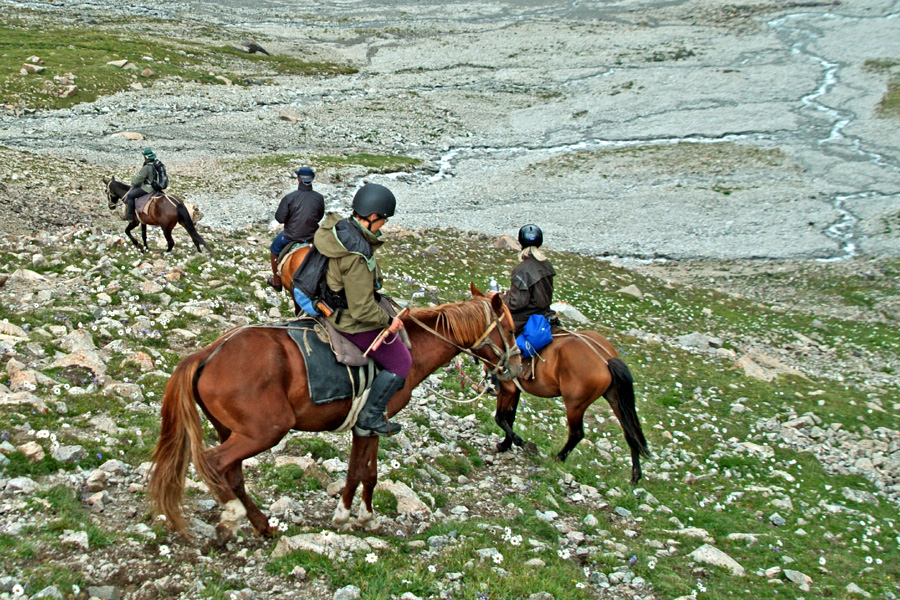horse riding the great silk road on holiday