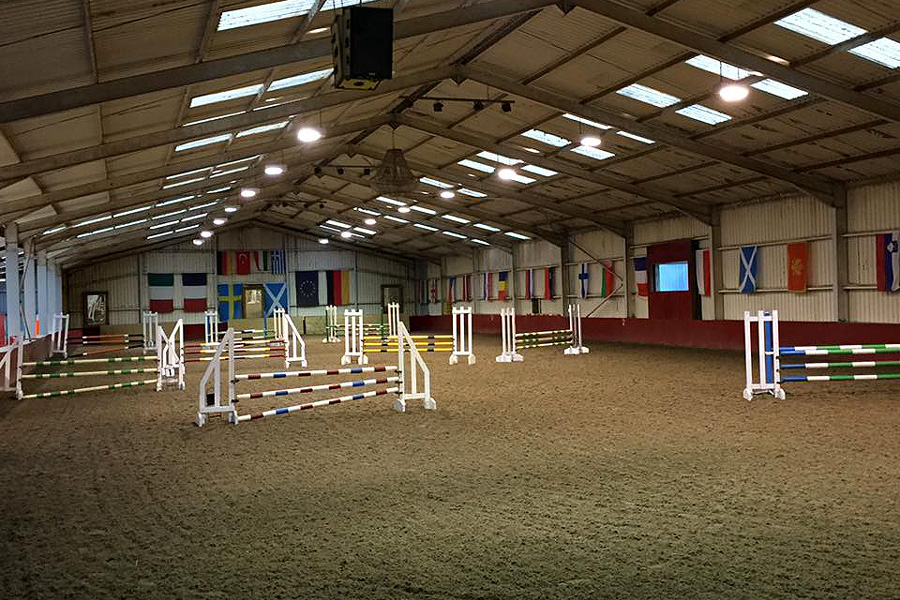 Show jumping lessons in UK