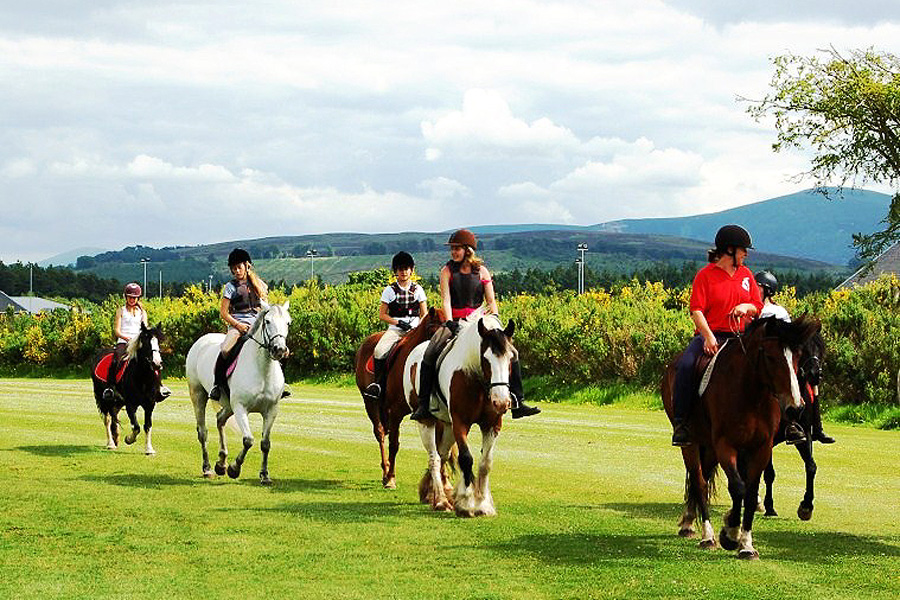 horse riding trails UK