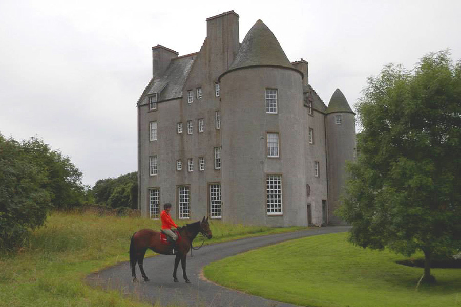 Castle horse riding trails