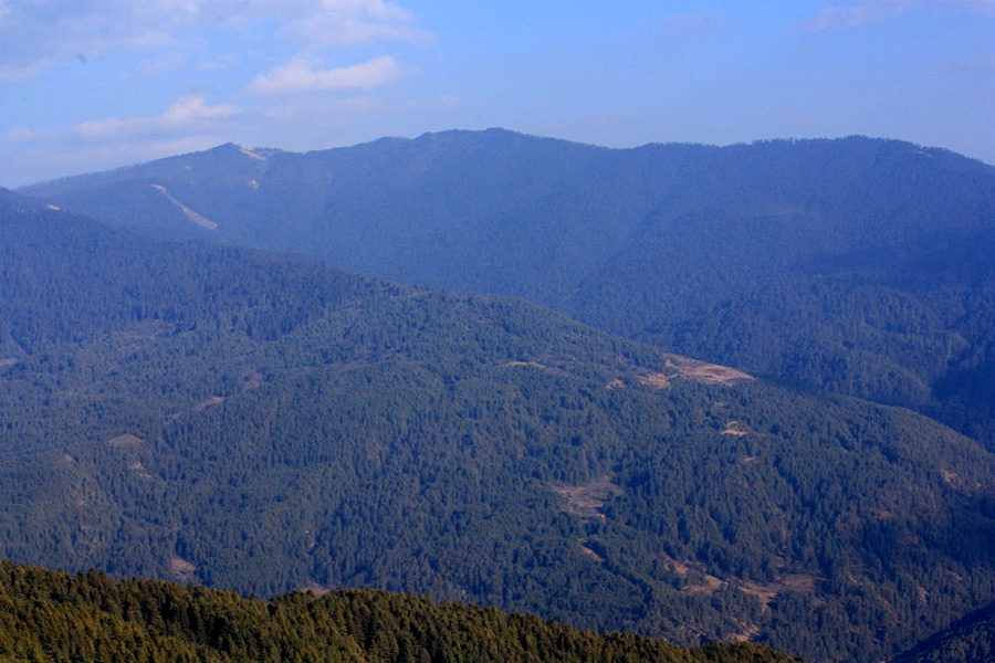 Riding in the Himalayan Mountains
