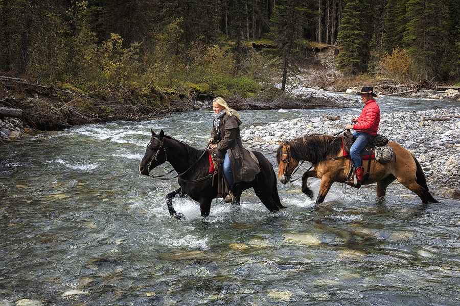 Horseback packtrip vacation in Canada
