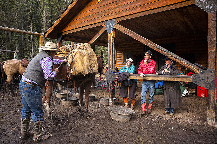 Pack trip horse riding holiday in Banff national park