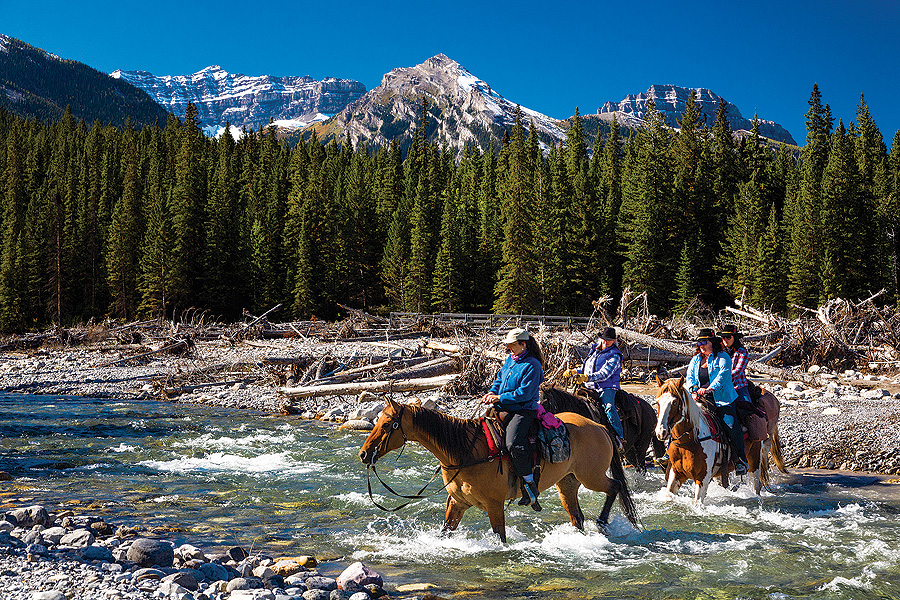 Horseback vacation in Canadian Rockies