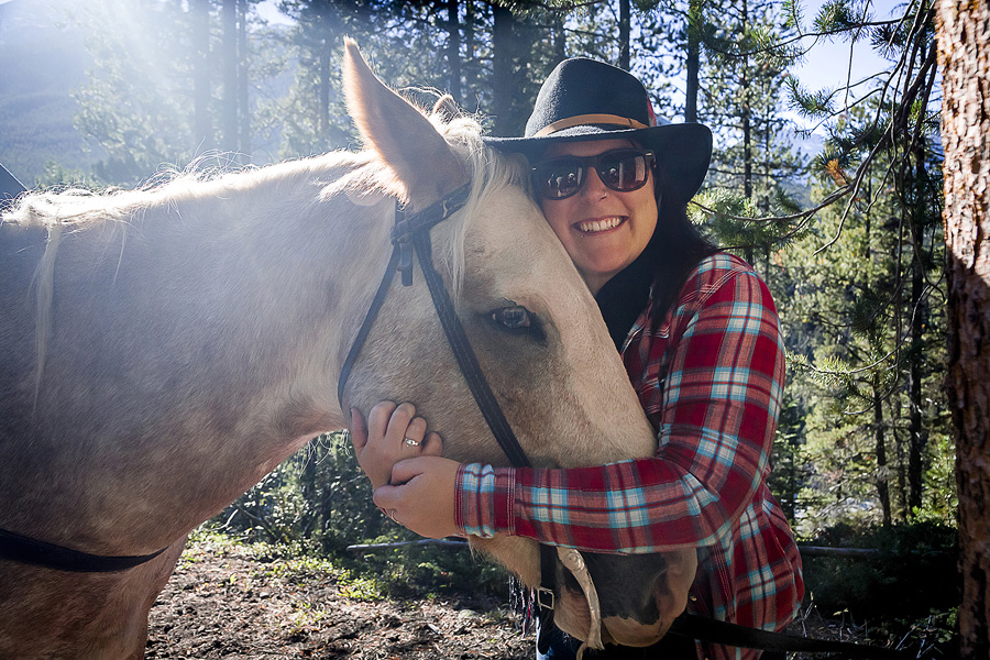 Horseback vacation in Canadian wilderness