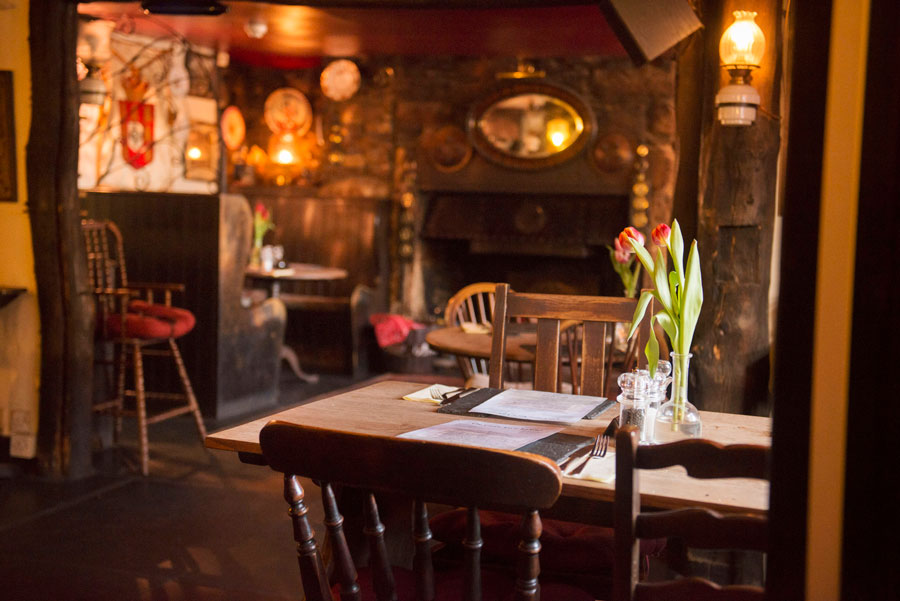 Castle Inn dining room